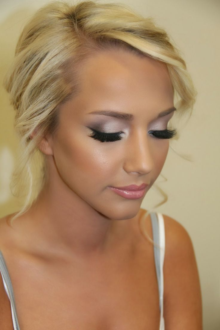 Prom Makeup For Light Pink Dress : www.galleryhip.com - The Hippest ...
