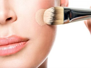 Ways-To-Use-Water-For-Flawless-Makeup-5-700x525